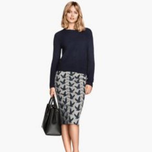 bd06f86b68 H&M Dresses & Skirts - H&M Grey & Navy Goose Bird Print Pencil Midi Skirt